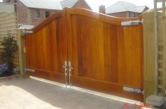 Hardwood Gates Belfast 17