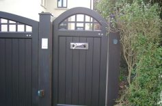 Hardwood Gates Belfast 9